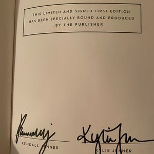 AUTOGRAPHED KENDALL & KYLIE Jenner book